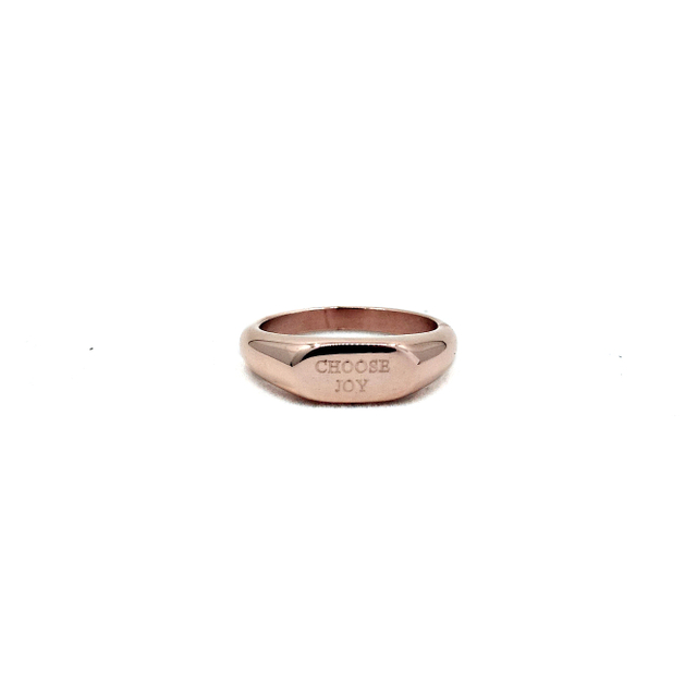 Neveah Signet Ring (Rose Gold)